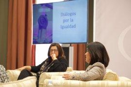 El Parlamento abre su ciclo 'Diálogos' con un debate sobre igualdad
