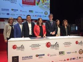 Más de 400 expertos en gastronomía se reúnen en Vitoria con motivo del 'Miniature Pintxos'