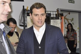Rivera no pierde la esperanza de que PP cambie de opinión en Murcia pero está dispuesto a buscar un presidente del PSOE