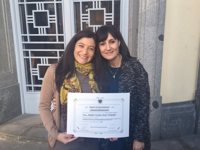Las dos autoras del trabajo de la UGR sobre mujeres directivas en empresas