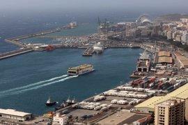 Gobierno canario y estibadores crean una comisión de seguimiento para garantizar el abastecimiento en las islas