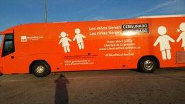 La Policía local de Alcobendas comprueba que el autobús de Hazte Oír cumple la normativa tras quejas de vecinos