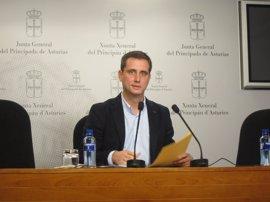 El PP pide a Javier Fernández que aclare si avala el uso del asturiano como lengua vehicular en los colegios