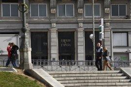 """Carmena remarca el """"aprendizaje"""" derivado del consenso en el Edificio España y pide """"confianza"""" en su equipo"""