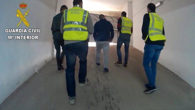 Detenidos por estafar a desempleados con falsas ofertas de trabajo en Qatar