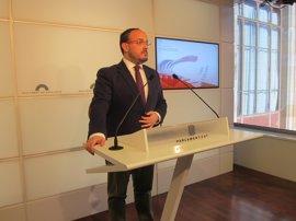 El PP catalán estudia pedir amparo al TC por la reforma del reglamento del Parlament