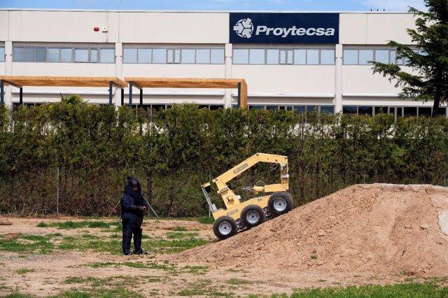 Robot 'aunav' de Proytecsa Security para desactivación de explosivos