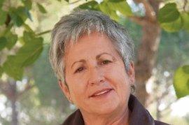 La UAB reconoce a la bioquímica Mercedes Unzeta en conmemoración del Día de la Mujer