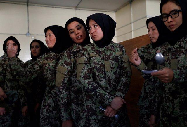 Mujeres soldado afganas