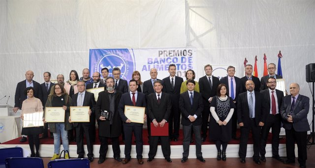 Ceniceros con premiados por el Banco de Alimentos