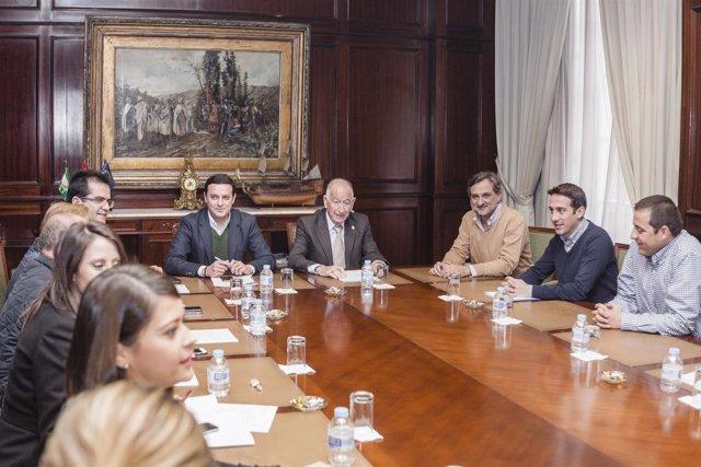 La Junta de Gobierno de la Diputación aprueba obras en municipios y carreteras.