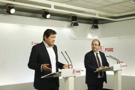 """Javier Fernández subraya que es Cs quien debe resolver la crisis en Murcia y espera que no esté """"yendo de farol"""""""