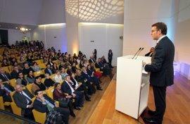 """Feijóo pide feminismo """"sin etiquetas"""" e implicación social contra la violencia machista"""