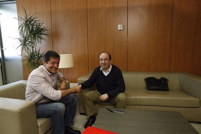 Javier Fernández y Miquel Iceta.