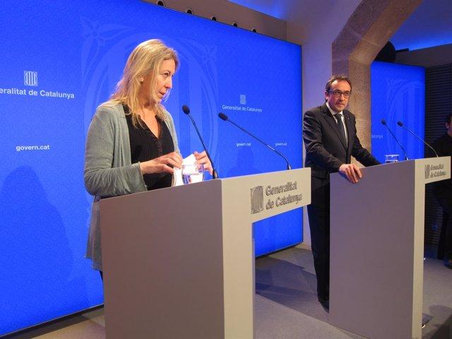 La Portavoz Del Govern Neus Munté Y El Conseller Josep Rull