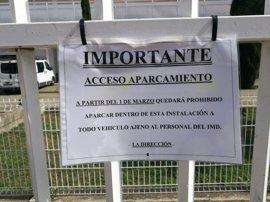 """IU reclama explicaciones por el """"cierre"""" del aparcamiento del centro deportivo Pino Montano"""