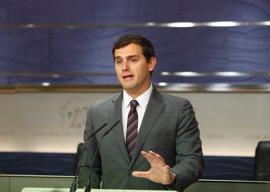 """Albert Rivera no entiende la """"neolengua de los corruptos"""" que habla el presidente de Murcia"""
