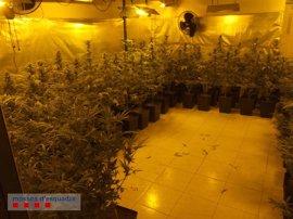 Los Mossos detienen a cuatro personas por tráfico de drogas en Gavà