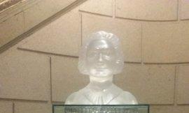 La sala del Congreso que acogerá el busto de Clara Campoamor también llevará el nombre de la sufragista