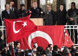 """Cavusoglu denuncia una """"presión sistemática"""" de Alemania contra los turcos"""