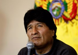 Morales regresa a Bolivia tras casi una semana de tratamiento médico en Cuba por sus problemas de garganta