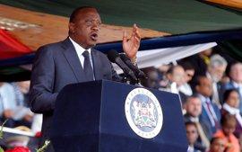 """El presidente de Kenia acusa de """"chantaje"""" a los médicos que están en huelga desde hace cerca de tres meses"""