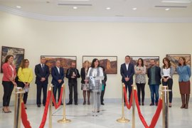 Toño Patallo muestra su visión del paisaje majorero en el Parlamento de Canarias