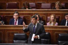 """Catalá reprocha al PSOE que siembre """"dudas"""" sobre los fiscales"""