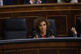 En Comú deja a medias un debate para secundar el paro de mujeres, pero la ministra de Igualdad continúa