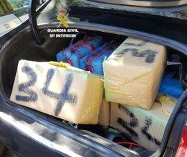 Detenido circulando en la A-7 con más de 600 kilos de hachís en un vehículo robado