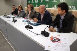 La Universidad de Jaén impulsa un programa de alojamiento compartido de universitarios con mayores