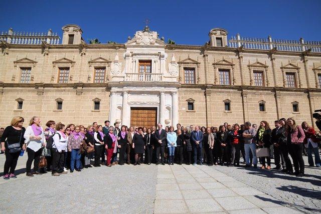 Paro del Parlamento andaluz por el Día Internacional de la Mujer