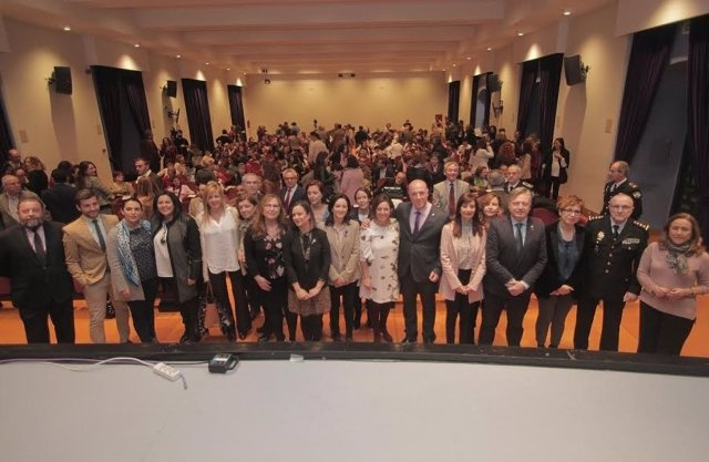 Autoridades durante la entrega de los premios 'Córdoba en Igualdad 2017'