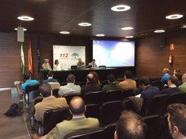 Emergencias Andalucía celebra un encuentro con empresas químicas sevillanas para abordar los peligros de su actividad