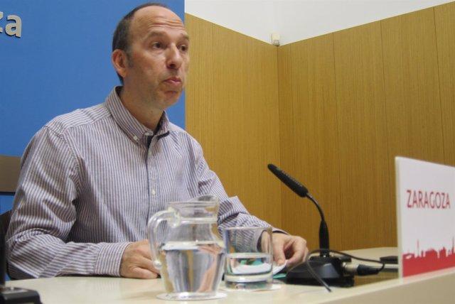 El concejal de CHA Zaragoza Carmelo Asensio.