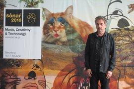 Jean-Michel Jarre visita Liébana para presentar el espectáculo inaugural del Año Jubilar