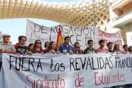 El 80% del alumnado andaluz de Secundaria secunda la huelga contra la LOMCE y los recortes