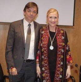 Cifuentes y el rector de la Complutense, Carlos Andradas