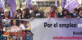 """CC.OO. y UGT Euskadi denuncian la """"precariedad laboral"""" de las mujeres"""