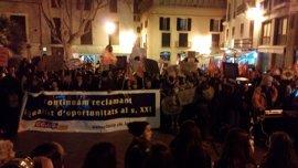 Multitudinaria manifestación en Palma por el Día Internacional de la Mujer