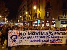 7.000 personas marchan en Barcelona para reclamar la igualdad y el fin del machismo