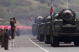 """Japón cree que últimos los misiles de Corea del Norte son los que han llegado """"más cerca de sus costas"""""""