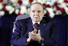 """Buteflika afirma que """"los residuos del terrorismo aún amenazan a Argelia"""""""