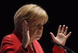"""Merkel pide a Erdogan que libere al periodista Deniz Yucel y deje de acusar a Alemania de """"nazismo"""""""