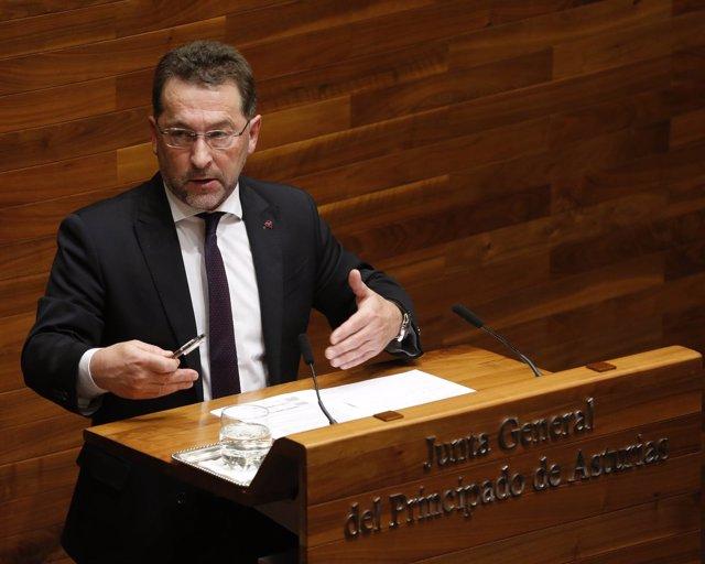 El Consejero De Educación Y Cultura Del Principado, Genaro Alonso.