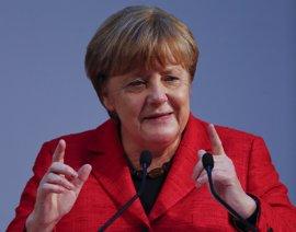 """Merkel defiende que Europa """"no debe atrincherarse"""" frente al proteccionismo"""