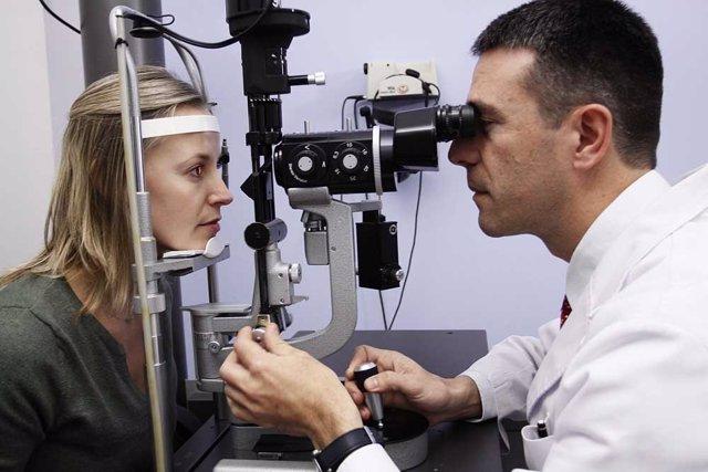 Una revisión ocular puede detectar problemas en la visión