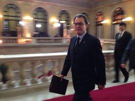 Artur Mas traslada a JxSí su voluntad de explicarse en el Parlament si le llaman