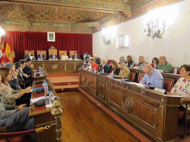 Valladolid. Pleno de la Diputación Provincial