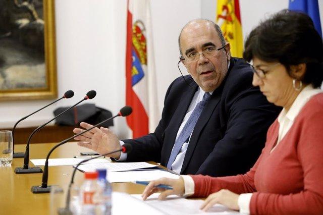 Jesús Oria y la directora de Ganadería, Beatriz Fernández